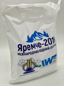 Пакет с логотипом с вырубной усиленной ручкой «банан» и донной складкой - Фото №28