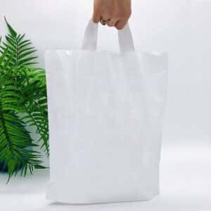 Bags with loop handle 300*350 mm, without printing, LDPE A6, WHITE -Chernigov Package - Фото Петля белая актив